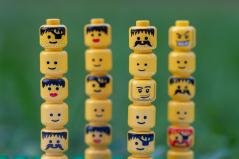 Unterschiedliche Wahrnehmung. Quelle: arembowski via Pixabay (https://pixabay.com/de/photos/lego-zahlen-k%C3%B6pfe-spielzeug-4375879/, Lizenz:https://pixabay.com/de/service/license/).