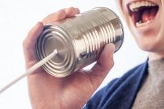 Wie verständigen wir uns eigentlich in Alltagssituationen? Quelle: pixabay (https://pixabay.com/de/sprechen-diskussion-mikrofon-238488/ )