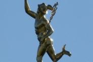Hermes, Gott der Kaufleute, Diebe, Lügner und Betrüger. Bild : 7854 via pixabay (https://pixabay.com/de/stuttgart-statue-bronze-kupfer-68754/,CC:https://creativecommons.org/publicdomain/zero/1.0/deed.de)
