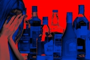 Symbolhafte Darstellung einer Angehörigen. Foto: geralt via Pixabay (https://pixabay.com/de/illustrations/frau-verzweiflung-alkohol-flasche-3319541/, Lizenz: https://pixabay.com/de/service/license/).