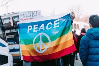 Bedürfnis nach Frieden. Quelle: https://unsplash.com/photos/1TqTPPz3xpg